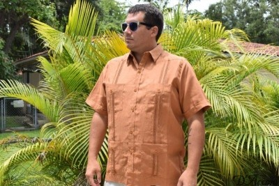 D'Accord rust linen guayabera