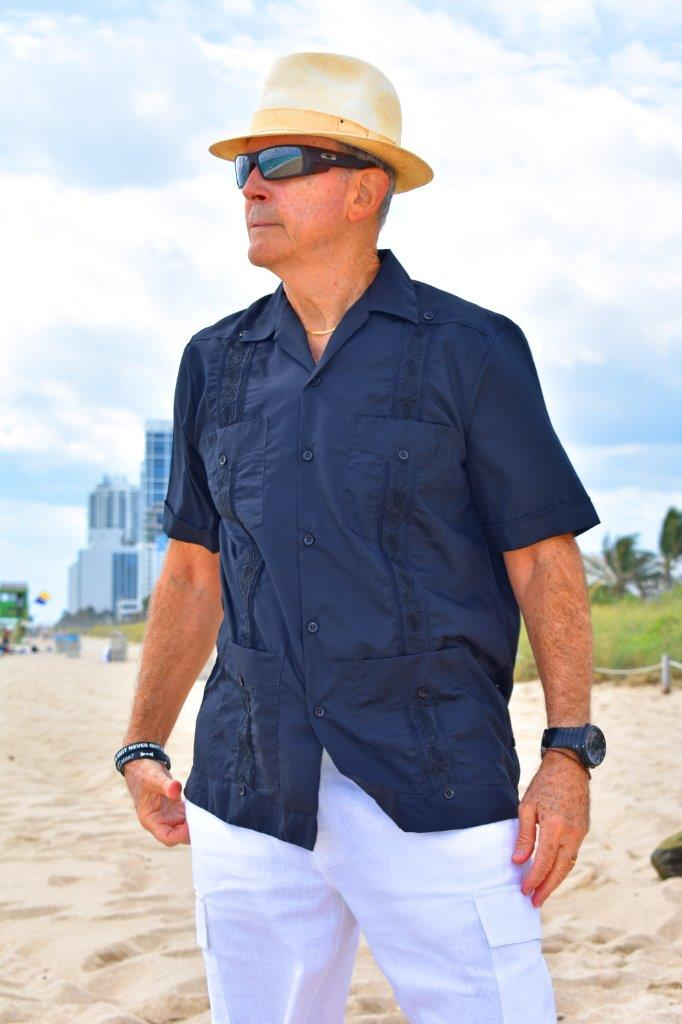 D'Accord embroidered black guayabera