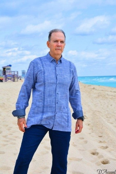 blue embroidered guayabera D'Accord