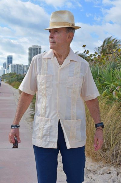 EMBROIDERED CUBAN GUAYABERA
