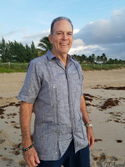 men's short sleeve premium linen cuban guayabera D'Accord # 2441